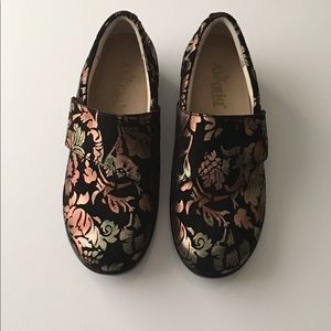 💜🔮💜 ALEGRIA PG Lite Slip-on Size 40 W